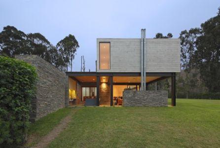 façade terrasse - House b2 par Jaime Ortiz de Zevallos - Pachacamac District, Pérou