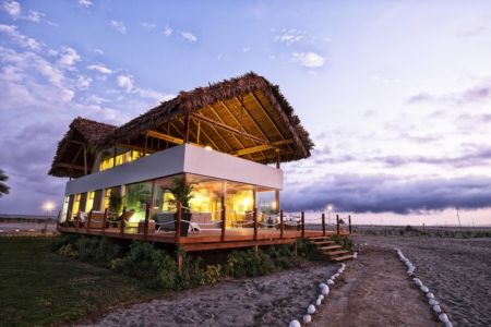 façade terrasse - House in Playa del Carmen par YUPANA Arquitectos - Chincha Alta, Pérou