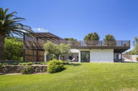 façade terrasse - Maison L2 par Vincent Coste - Saint-Tropez, France