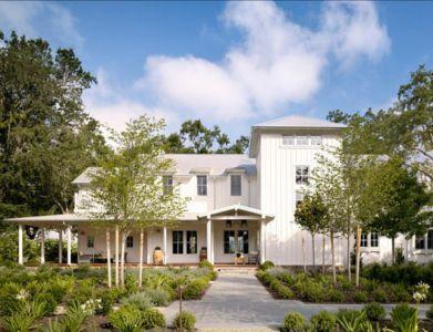 façade terrasse - Transitional Farmhouse Design par Total Design - Calistoga, Californie, Usa