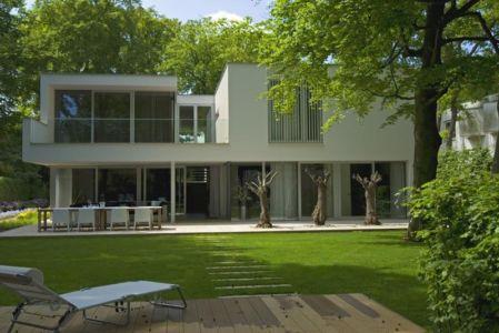 façade terrasse - Villa contemporaine par Clijsters Architectuur Studio - Bilthoven, Pays-Bas