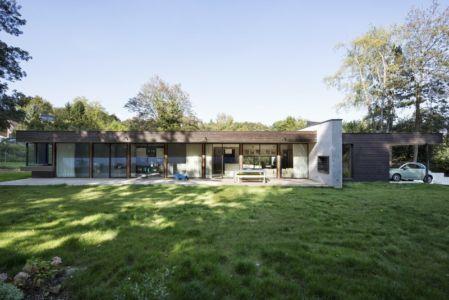 façade terrasse - War house par A+B architectes - Montmorency, France