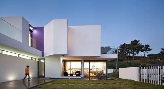 façade terrasse - Woljam-ri House par JMY architects - Gyeongsangnam-do, Corée du Sud