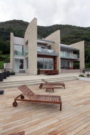 façade terrasse & bains de soleil - Vila-Stoliv par Enforma Architectural Studio - Montenegro