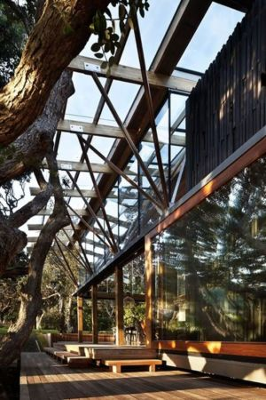 façade terrasse bois - Under Pohutukawa par Herbst Architects - Piha, Nouvelle-Zélande