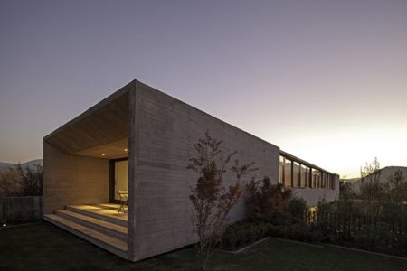 façade terrasse chambre - SH House par 01arq - La Dehesa, Chili