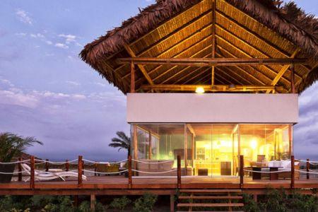façade terrasse de nuit - House in Playa del Carmen par YUPANA Arquitectos - Chincha Alta, Pérou