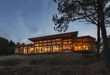 façade terrasse de nuit - Long Dune Residence par Hammer Architects - Truro, Usa