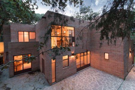 façade terrasse de nuit - Pinar house par MO+G Taller de arquitectura - Zapopan, Mexique