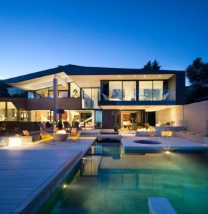 façade terrasse de nuit - The Groveland House par Mcleod Bovell - Vancouver, Canada