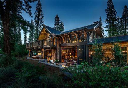 façade terrasse de nuit - chalet de luxe par Walton Architecture - Martis Camp, Usa