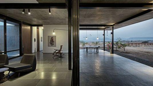 façade terrasse & entrée - Deolali House par Spam Design Architects - Deolali, Inde