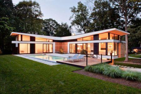 façade terrasse et piscine - wing-roofed home par Staffan Svenson architect - Atlanta, Usa