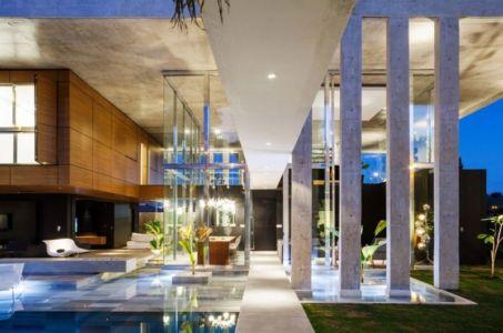 façade terrasse illuminée - Botucatu-House par FGMF Arquitetos - Botucatu, Brésil