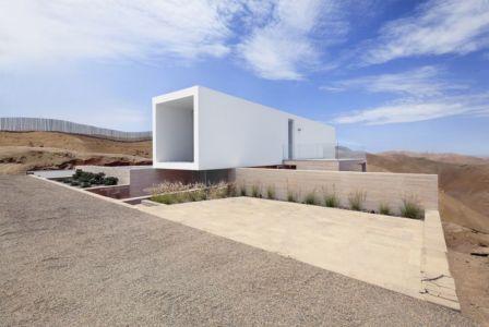 façade terrasse & jardin - House-Poseidon par Domenack arquitectos - Pucusama, Pérou
