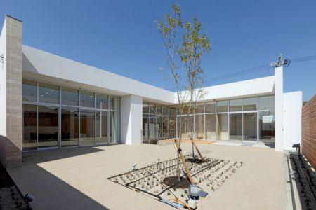 façade terrasse & jardin jour - YAM par ks-architects - Nagoya, Japon