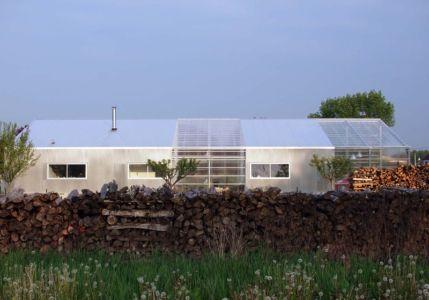 façade terrasse - maison agence par hérard & da costa portada -Neuville-sur-Seine, France - photo julien sage thomas