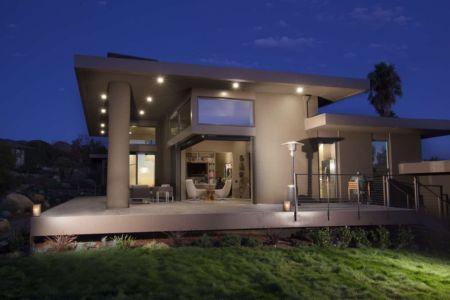 façade terrasse nuit - Las Canoas par Thompson Naylor Architects - Santa Barbara, CA, Usa