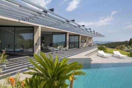 façade terrasse piscine - Maison A3 par Vincent Coste - Toulon, France