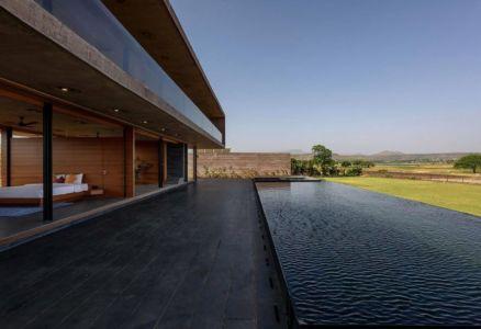 façade terrasse & piscine - Panorama-House par Ajay Sonar - Nashik, Inde