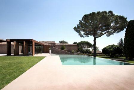 façade terrasse & piscine - Sicillian-Farm-Renovation par ACA Amore Campione Architettura - Sicile, Italie