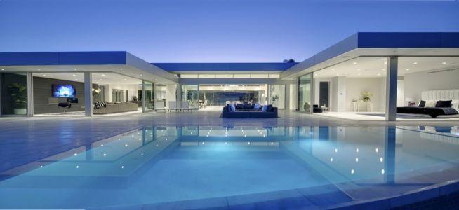 façade terrasse piscine de nuit - Carla Ridge par McClean Design - Beverly Hills, Usa