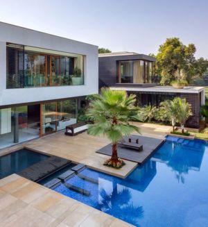 façade terrasse & piscine - home-pool par DADA-&-Partners - New Delhi, Inde