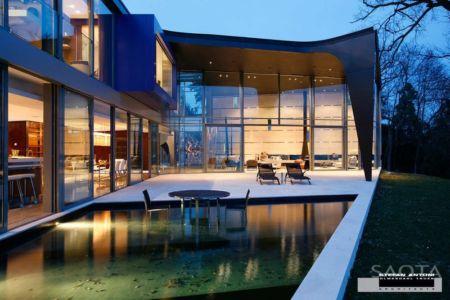 façade terrasse - villa afro-européenne par Saota - Genève, Suisse