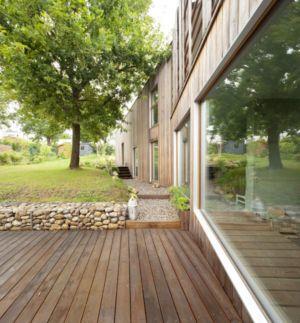 façade terrasse - vlb-maison-bbc par Detroit Architectes - Verrières-le-Buisson, France