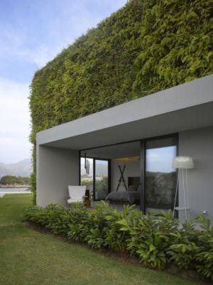 façade végétalisée - luxury residence par Ezequiel Farca - Marina de Puerto Vallarta, Mexique