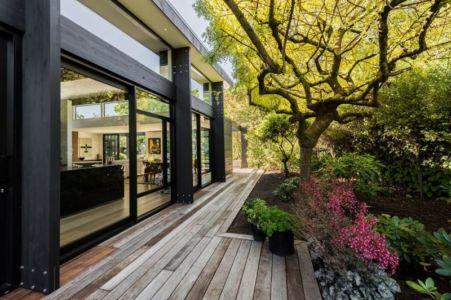 Façade Terrasse Bois é Jardin - Bradnor-Road Par Cymon Allfrey Architects - Fendalton, Nouvelle-Zelande