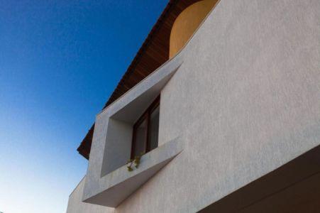 fenêtre porte à faux - Casa do Arquiteto par Jirau Arquitetura - Pernambuco, Brésil
