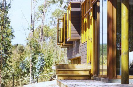 fenêtres bois - Casa Tunquén par CO2 Arquitectos - Vaparaiso, Chili