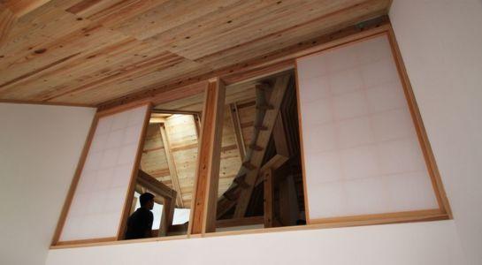 fenêtres bois coulissantes intérieures - Passive-House par Kikuma Watanabe - Kasugoaka, Japon