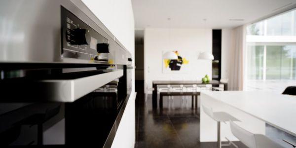four cuisine - maison contemporaine par Luc Spits, Belgique
