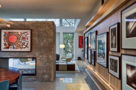galerie tableau et cheminée - City View Residence par Dick Clark Architecture - Austin, Usa
