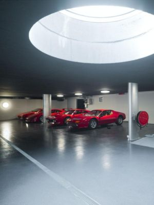 garage et supers cars - o-house par Philippe Stuebi - Lucerne, Suisse