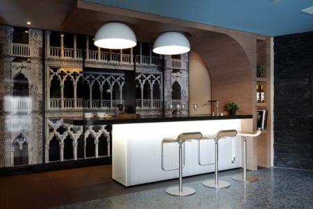 grand bar - Luxury Chalet par Jean-Marc et Anne-Sophie Mouchet - Courchevel, France