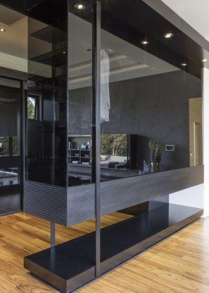 grande baie vitrée - House-in-Blair-Atholl par Nico van der Meulen Architectes - Johannesburg, Afrique du Sud