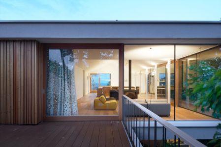 grande baie vitrée étage - Hillside-Home par Multiplan Arhiteki - Ljubljana,Slovénie