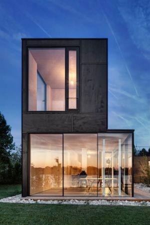 grande baie vitrée illuminée - Lake-House par Maximilien Eisenkock Neufelder, Autriche