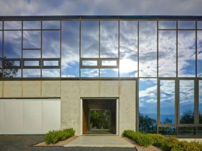 grande façade vitrée & entrée - Shokan-House par Jay Bargmann - New York, USA