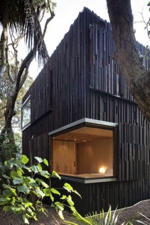 grande ouverture intérieure - Under Pohutukawa par Herbst Architects - Piha, Nouvelle-Zélande