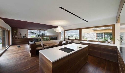 grande pièce de vie - Brunner House par Norbert Dalsass - Italie