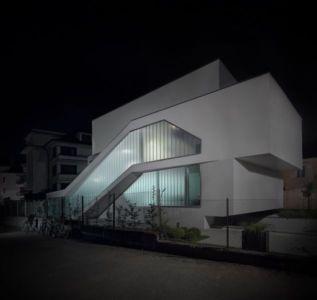 grandes baies vitrées illuminées - MaHouse par Marc Formes - France