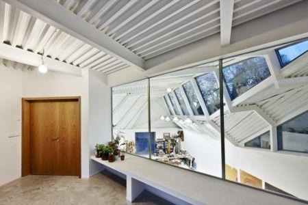 halll entrée - Maison et atelier d'artiste par Miba architects - Gijón, Espagne