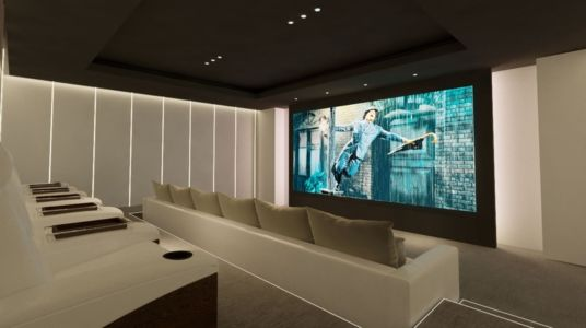 home cinema - luxueuse villa par Ark Architects - San Roque, Espagne
