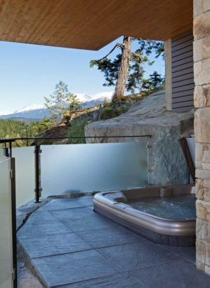 jacuzzi - Lakecrest Residence by aka Architecture + Design - Whistler, Canada