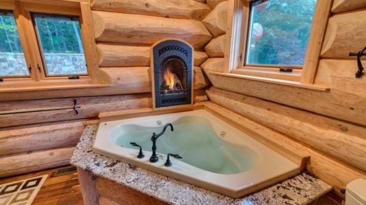 jacuzzi & cheminée - Mountain-Top-Manor - Blue Ridge, Georgie