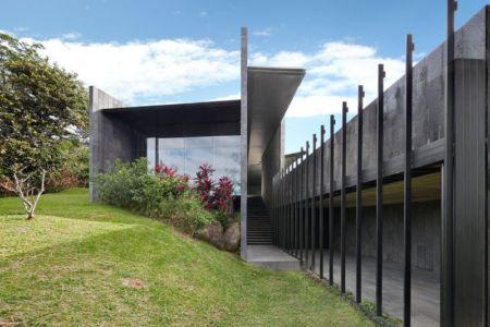 jardin & escalier - casa-altamira par Joan Puigcorbé - Ciudadd Colon, Costa Rica
